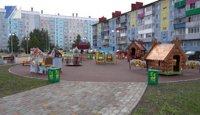 Рядом с новым спорткомплексом появились целых три детские площадки